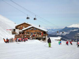 Skiers Celebrate 10 Years of Paradiski